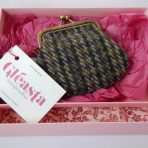 Tweed Purse CP7